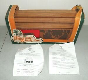 New!! NOS!! Vtg BLUEGRASS WOODS Cedar MAILBOX with DEER Decor on Sides BEAUTIFUL