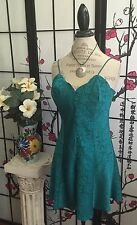 Auth Vtg Crown Lab Victoria's Secret M Scallop Neck Satin Paisley Chemise