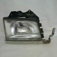 99 00 01 02 Isuzu Trooper Passenger Right Headlight