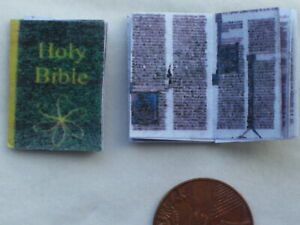Dolls House Miniatures 1/12th Scale - Illuminated Green Bible