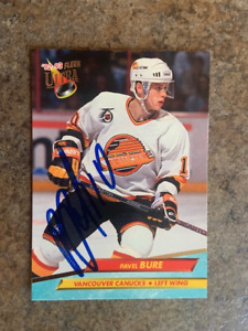 signed in person  PAVEL BURE    Vancouver Canucks   FLEER ULTRA   # 219  1992-93