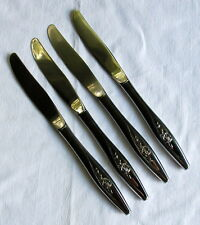 OneidaCraft Deluxe Stainless Lasting Rose ~ 4 Place Knives ~ Vgc