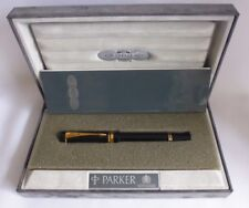 PARKER DUOFOLD CENTENNIAL BLACK & GOLD FOUNTAIN PEN WITH M 18K SOLID GOLD NIB