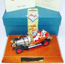 Corgi Toys 1:43 CHITTY CHITTY BANG BANG Movie TV Car + FIGURES & PLINTH MIB`92!