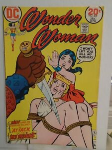 DC WONDER WOMAN #209 (1973) Bondage Cover, 1st Wonder Girl Solo Story