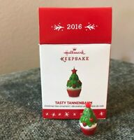 Hallmark Keepsake Miniature Ornament 2016 Tasty Tannenbaum Cupcake Tree