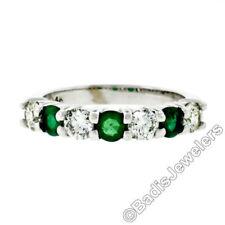 Anelli di lusso con gemme verde matrimonio