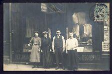 cpa CARTE PHOTO Cachet PARIS en 1906 Commerce COUTURE Souvenir Famille BELLANGER