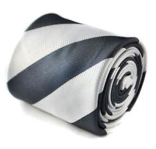 Corbatas, pajaritas y pañuelos vintage grises