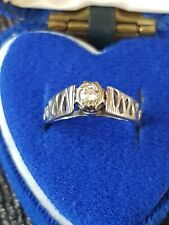 Stunning 18 ct white gold and single diamond solitaire ring size N