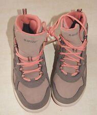 Paire de chaussures beige de randonnée neuves taille 39 Hi-Tec phoenix