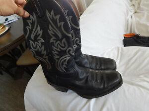 ARIAT MENS BLACK LEATHER COWBOY BOOTS, SIZE 8.5 D