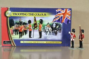 BRITAINS 40110 TROOPING the COLOUR WELSH GUARDS RECEIVING the colour MIB nv
