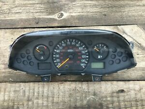 FORD FOCUS SEDAN 2000-05 AUTO OEM Instrument Cluster Speedometer 98AP-10A855-AB