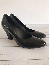 Django & Juliette CLASSIC Size 38 Black Patent Leather Round Toe Heels Pumps