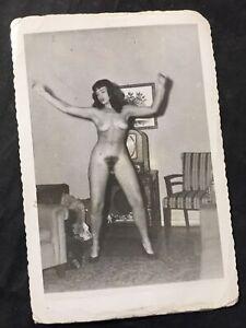 Vtg 50s Original Bettie Page Nude Home Snapshot Risque Pinup Photo Kodak Velox 1