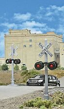 Walthers 949-4333 HO Working Signals Crossing Flashers (2)