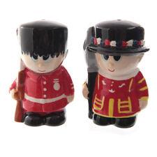 Ceramic Guardsman & Beefeater Salt & Pepper Set By Puckator NEW