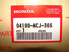 Honda CBR900RR New Lower Tripple Tree Steering Stem OEM 04100-MCJ-305 NOS