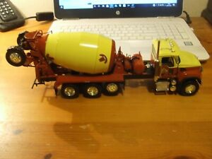 First Gear 19-3569 Mack Granite with Bridgemaster Cement Mixer, 1:34, BNIB