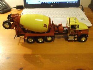 First Gear 19-3569 Mack Granite with Bridgemaster Cement Mixer, 1:34, BNIB