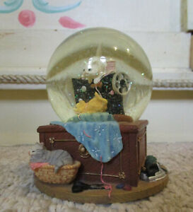 Sewing Cats Snow Globe Music Box - Excellent Condition