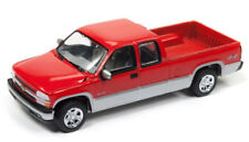 1/64 JOHNNY LIGHTNING 2002 Chevrolet Silverado in Red & Silver w/ tow hitch