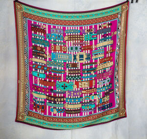 BNWT Hermes 'collier de chien' cashmere scarf carre 140 x 140 fuchsia pink large
