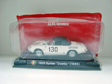 VOITURE EN METAL 1600 SPIDER DUETTO 1966 ALPHA ROMEO (9x3,5cm)