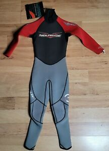 Neil Pryde Kid's Wetsuit Size 138/6 semi-dry Black / Red child youth 2000 series