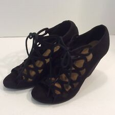 69f4dd670f24 BONGO Women s STUNNING LOOKING Shoes Size 6.5M Black Suede Look