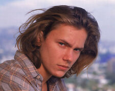 River Phoenix UNSIGNED photo - 8938 - Stand by Me, The Mosquito Coast & Sneakers