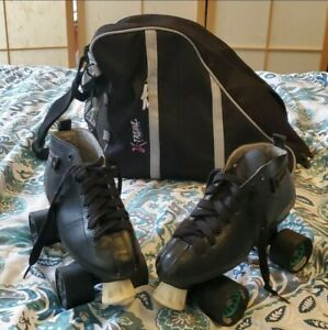Pre-owned! Women Black Bullet Skates with Bag Included. Please note the bag has
