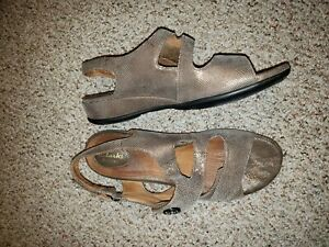 EUC CLARKS ARTISAN WOMEN SANDALS BROWN SARASOTA SIZE 10M