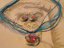 Parure organza bleu-boucle d'oreille-vache qui rit gros breloque (collier)de 3cm