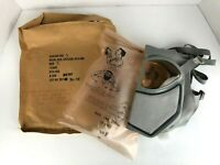 American Vietnam War Unissued Civilian CD V-805 / M22 Gas Mask - VTG 1963 NOS