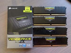 Corsair CMK16GX4M4A2666C16 Vengeance LPX 16 GB (4 x 4 GB) DDR4 2666MHz
