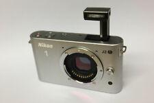 Nikon 1 J2 Gehäuse / Body (ohne Objektiv) Systemkamera J 2 silber B-Ware