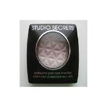 L'Oreal Studio Secrets Mono Eye Shadow - 670 Metallic Grey