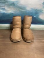 Ugg Australia Classic Short Suede Boots Girls Size 4 S/N 5251 Brown Chestnut