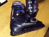 Nordica Vertech 55 Womens Ski Boots Size Mondo 24.5 cm  Sole  280 mm