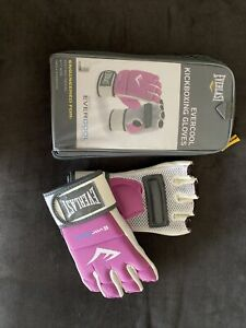 Womans Everlast Boxing Gloves Pink