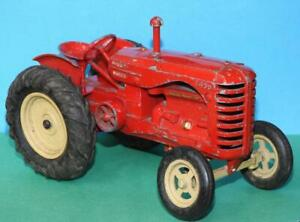 """LESNEY 1948 DIECAST PRE MOKO LARGE SCALE MASSEY HARRIS 745D 8"""" RED TRACTOR"""