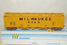 HO scale Walthers Milwaukee Road RR 50' airslide covered hopper car train