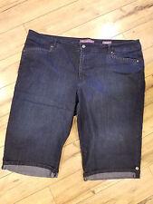 Women's plus 24W Gloria Vanderbilt jeans capri's: Skimmer fit, flattering!