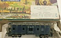 HO scale Athearn Baltimore & Ohio Bay Window caboose  C-3000 Vintage Weathered