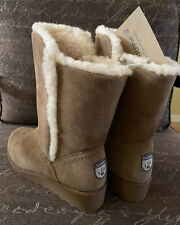 """BEARPAW SUEDE  LEATHER  WOMEN'S Boots ,  """"NEVER WET"""" , HICKORY, Size 9, NWT"""