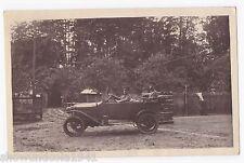 Foto Ak Auto des --Armee Post Inspektor Gaede-- sitzend in den Vogesen