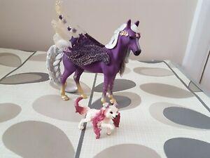 Schleich Star Pegasus, Mare Fantasy Bayala Figure Figurine + little dog preowned