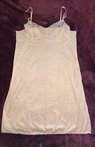 VASSARETTE: Spaghetti Strap Nylon Dress Slip Foundation: Ivory White, 44